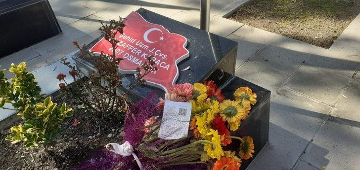 Şehit mezarında duygulandıran mesajı: Seni çok seviyorum koca çınarım