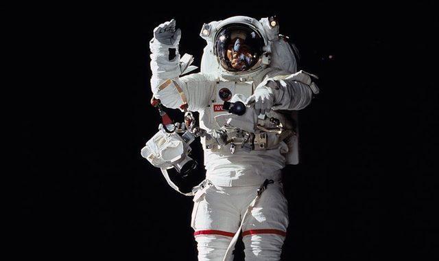 Astronot nedir?