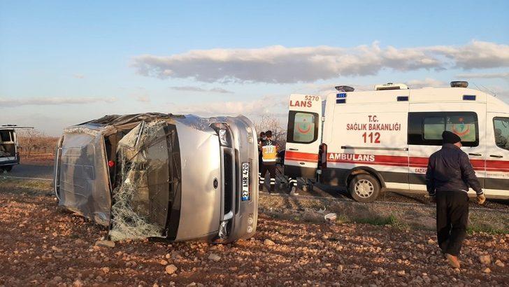 Gaziantep'te işçileri taşıyan midibüs takla attı: 8 yaralı