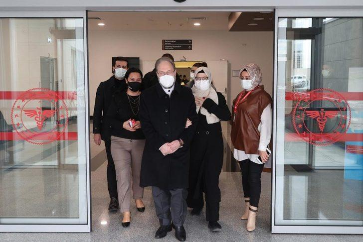Koronavirüs tedavisi gören Diyanet İşleri Başkanı Ali Erbaş taburcu oldu