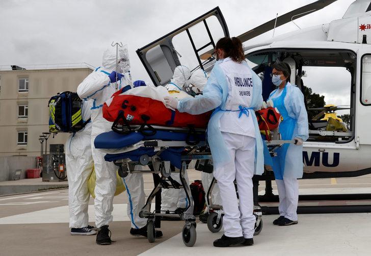 Fransa'da Covid-19 varyantına yakalanan 8 hasta hayatını kaybetti