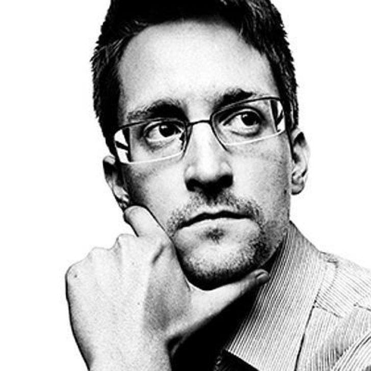 Snowden, Rusya vatandaşı olmak için başvuru yapacak!