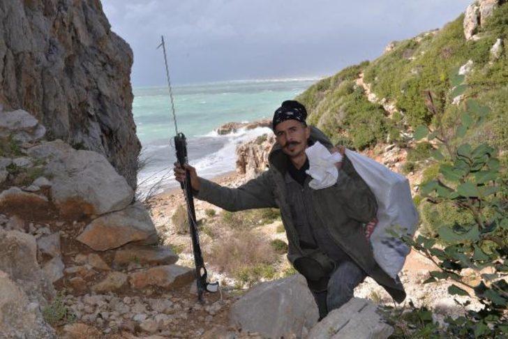 Şehir hayatını bırakıp dağ evine yerleşti, balık tutarak haftada 2 bin lira kazanıyor