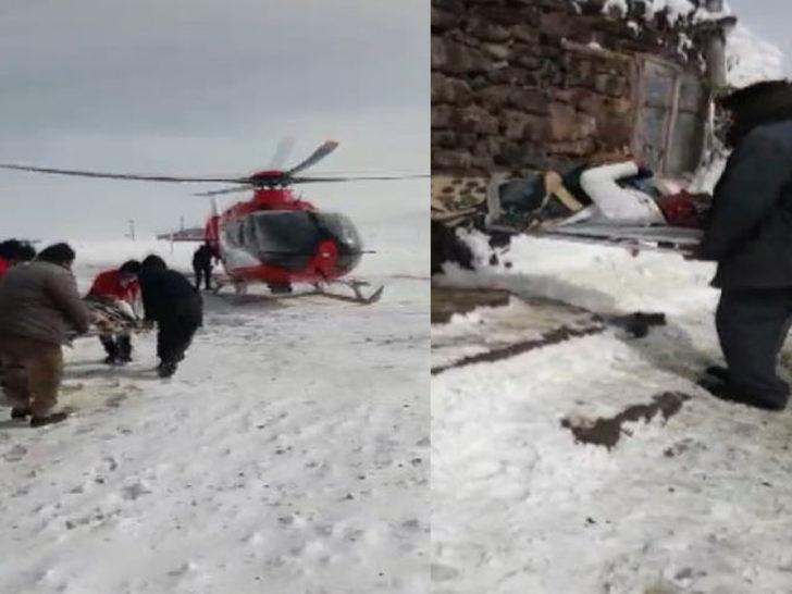 Ağrı'da kardan yolu kapanan köydeki hamile kadın ambulans uçakla hastaneye yetiştirildi