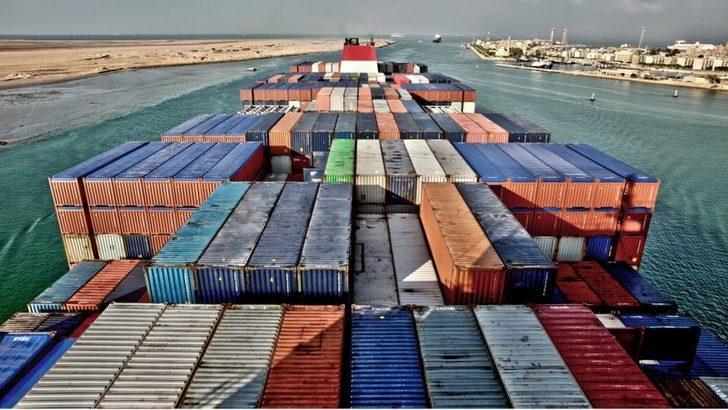 Süveyş Kanalı'nda duran deniz trafiği yeniden açıldı