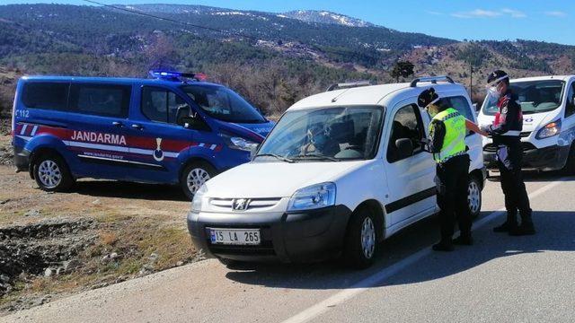 Burdur'da 75 araç sürücüne 57 bin 860 TL ceza