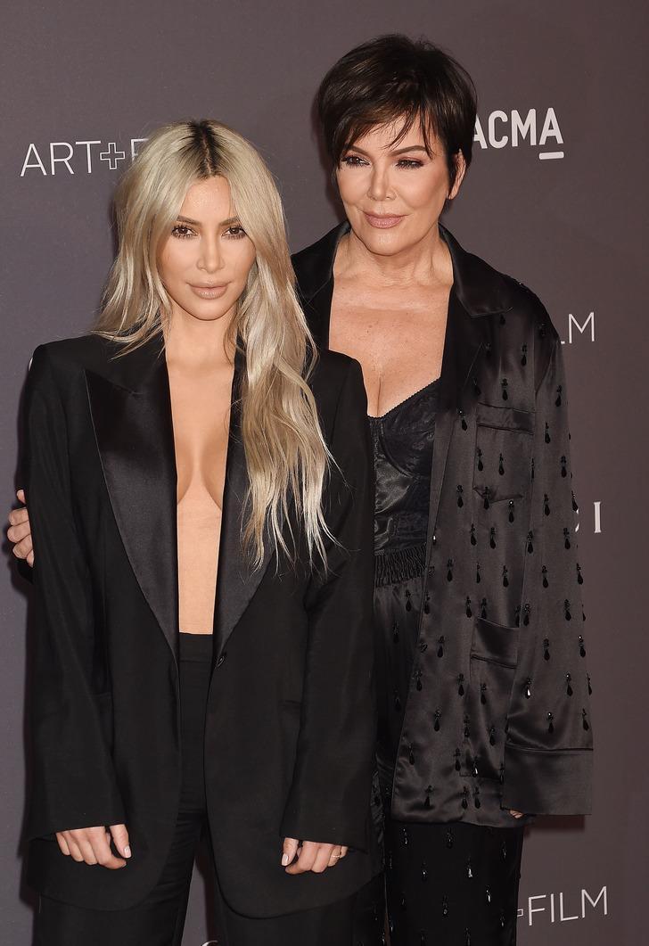 Kris Jenner'dan olay itiraf! 'İlişkiye girdiğimizde kızım yatağın altındaymış'