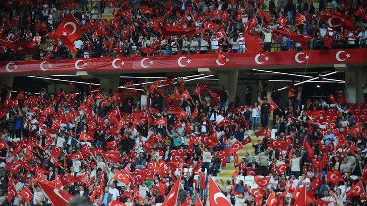 TFF'den Türkiye-Letonya maçı için seyirci kararı