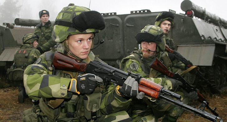 İsviçre'de kadın askerler artık erkek iç çamaşırı giymek zorunda değil!