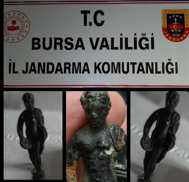 Bursa'da Roma döneminden kalma heykeli satmaya çalışan 2 şüpheli yakalandı