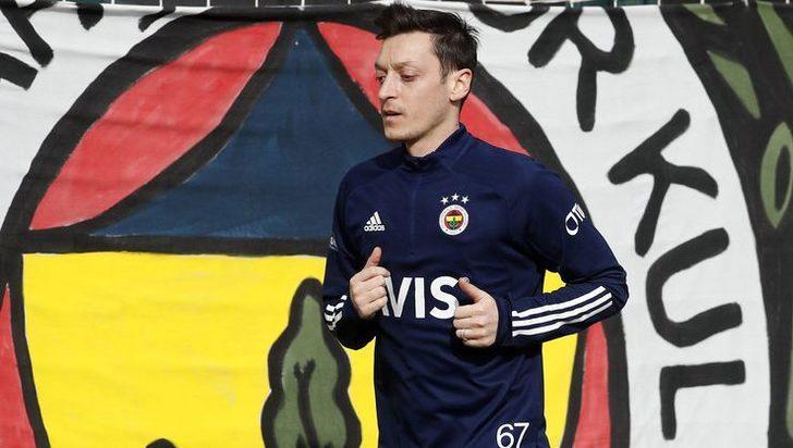 Fenerbahçe'ye Mesut Özil müjdesi! Sahaya indi...