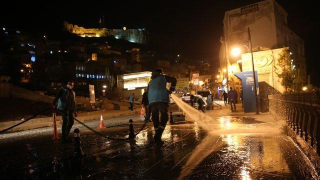Mardin'de tarihi cadde ve sokaklar dezenfekte edildi