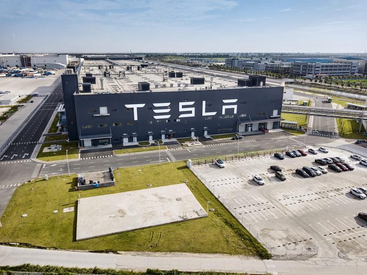 Çip krizi Tesla'yı etkilemedi, hisseleri yükseldi!