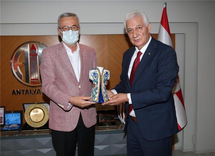 TÜFAD Genel Başkanı İsmail Dilber, Antalyaspor Kulübü Başkanı Mustafa Yılmaz'ı ziyaret etti