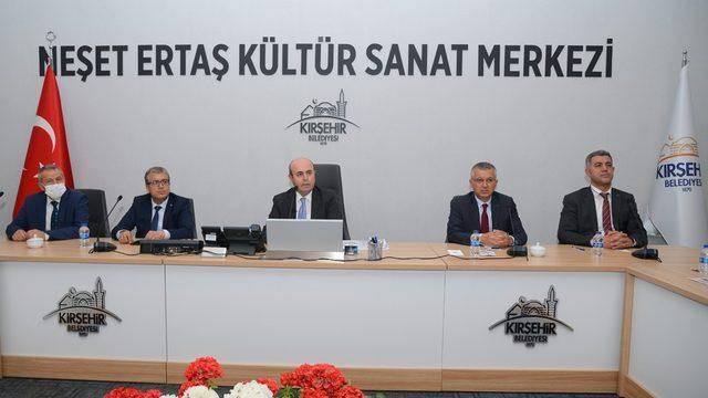"""Belediye Başkanı Ekicioğlu, """"Önceki dönem işlerle birlikte yeni projeler hayata geçiriyoruz"""""""