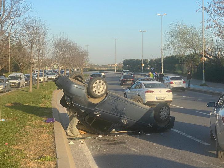 Park edilirken arkadan gelen aracın çarptığı otomobil takla attı