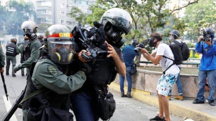 """""""Basın Kendine Güvenen Demokrasilerde Özgürdür"""""""