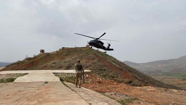 Siirt Valisi Hacıbektaşoğlu, terör örgütü PKK'ya yönelik operasyonun sürdüğü bölgede inceleme yaptı