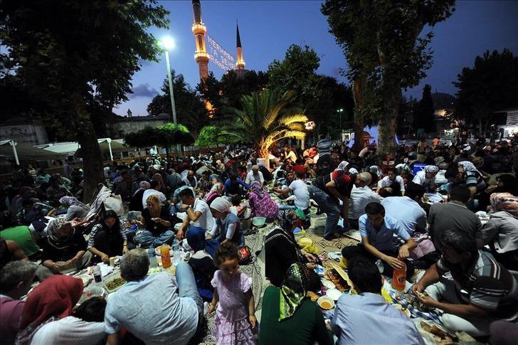 Malatya ve Manisa iftar saatleri | Malatya ve Manisa'daki sahur kaçta? Akşam ezanı kaçta okunuyor?