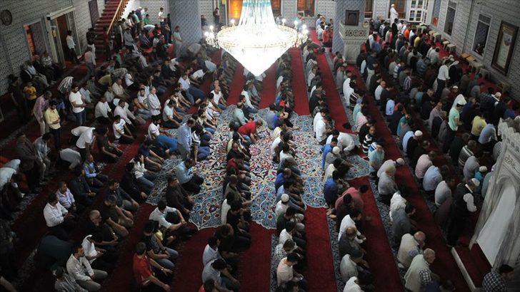 Ramazan'da nasıl namaz kılınır? Ramazan'da kılınacak namazlar