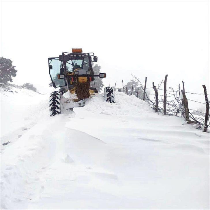 Sinop ve Kastamonu'da kar nedeniyle 103 köy yolunda ulaşım sağlanamıyor