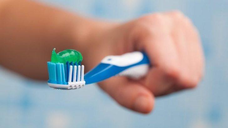 Diş fırçalamak ve diş çektirmek orucu bozar mı? Gargara yapmak orucu bozar mı?