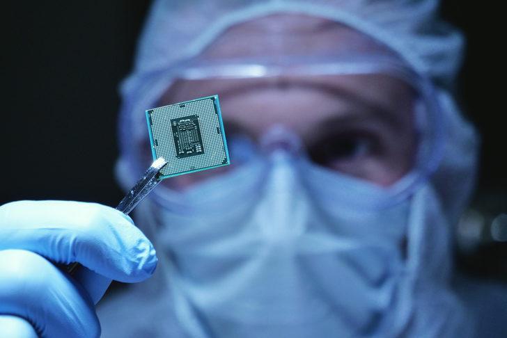 Pentagon vücutta Covid-19'u algılayan mikroçip geliştirdi