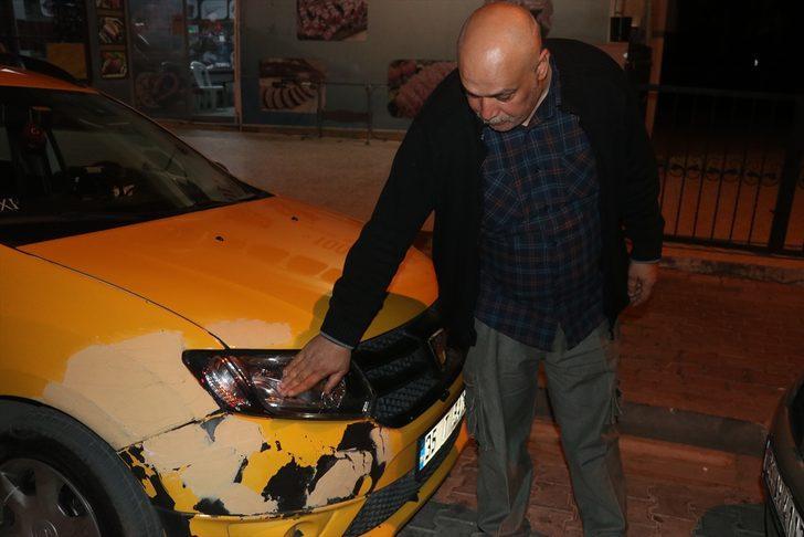 İzmir'de kaçırdığı taksiyle yayaya çarpan kadın, diğer taksilerin kovalamacası sonucu yakalandı