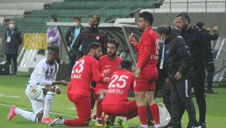 Giresunspor-Keçiörengücü maçında futbolcular oruçlarını sahada açtı