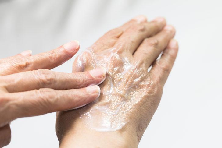 Bu öneriler cildi gençleştiriyor! Pandemide erken yaşlanmayı durdurun