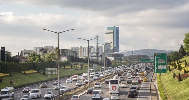 Özel araçla şehirler arası seyahat etmek yasak mı? Özel arabayla şehirler arası seyahat yasağı var mı?