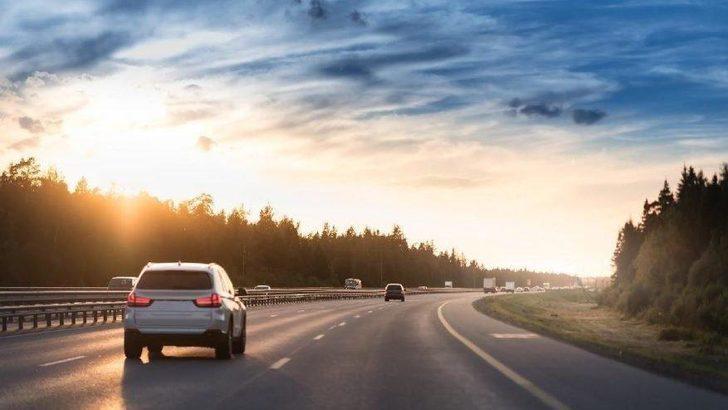 Sokağa çıkma yasağı olmayan saatlerde özel araçla seyahat edilebilir mi?