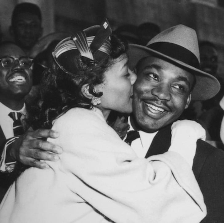 Birbirlerine duydukları aşk ve sevgiyle dünyayı daha güzel bir hale getirmeye çalışan tarihin en ünlü çiftleri