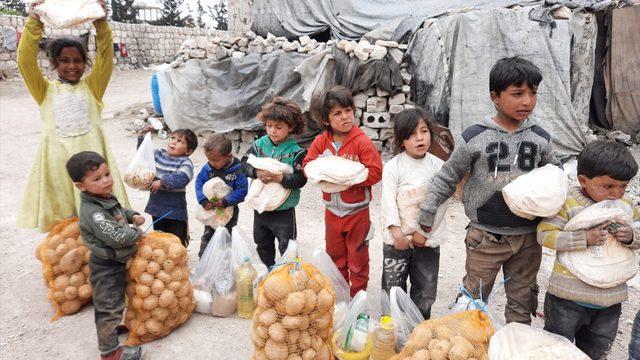 İMKANDER'den Suriye'deki ailelere gıda ve kıyafet yardımı