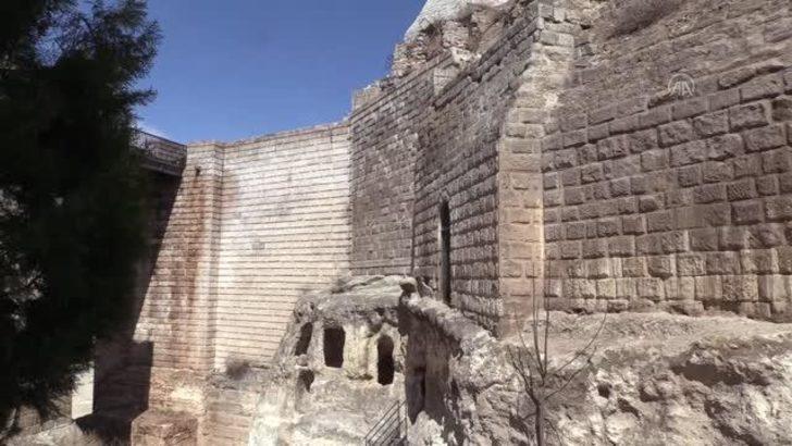 Tarihi Gaziantep Kalesi'nin altındaki tüneller turizme açılacak