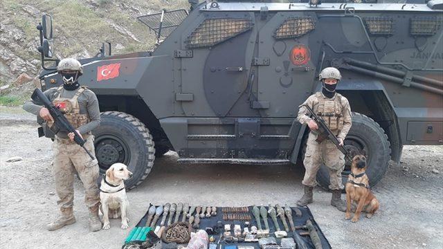 Hakkari'de terör örgütü PKK'ya ait mühimmat ve patlayıcılar ele geçirildi