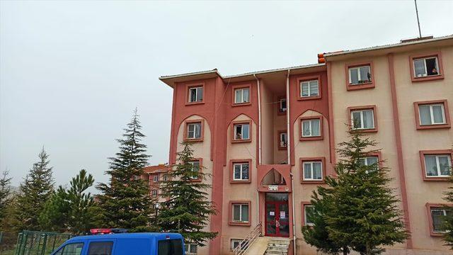 Mantı gününe katılan kadının Kovid-19 testi pozitif çıkınca 8 daire karantinaya alındı