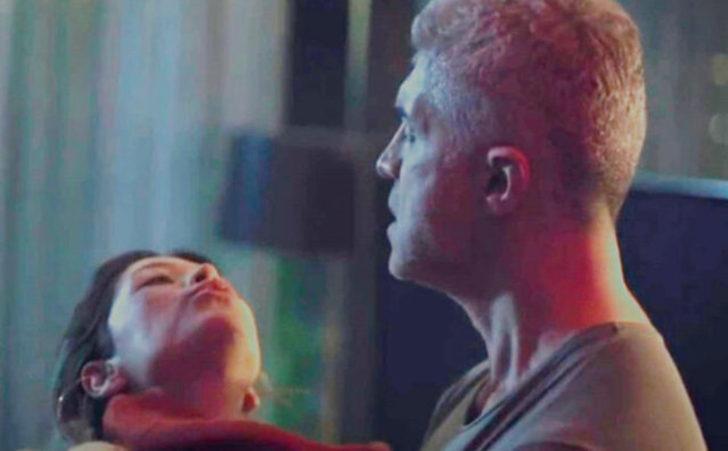 Özcan Deniz'in eski eşi Feyza Aktan'la rol aldığı Senkron dizisinde dikkat çeken şiddet sahneleri!