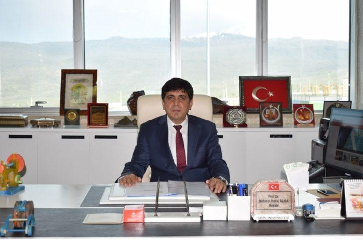 Prof. Dr. Mehmet Hakkı Alma kimdir, kaç yaşında ve nereli? Iğdır Üniversitesi'ne rektör olarak atandı