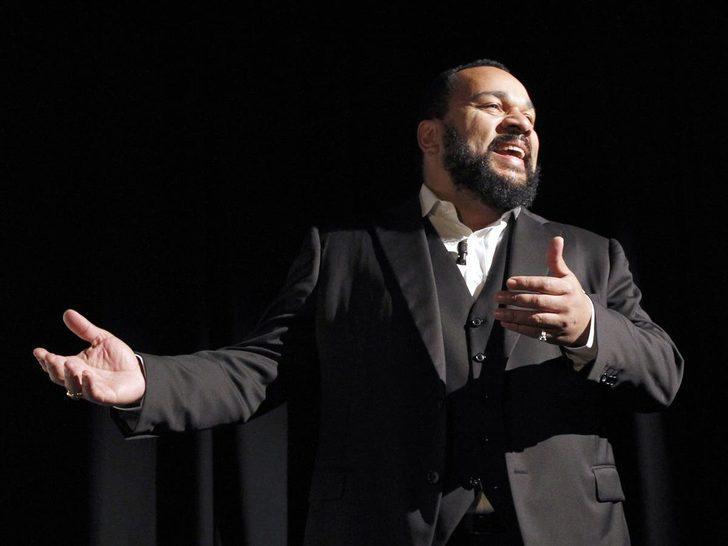 Fransız komedyen Dieudonne M'Bala, Türkiye'den siyasi sığınma talep edebilir!