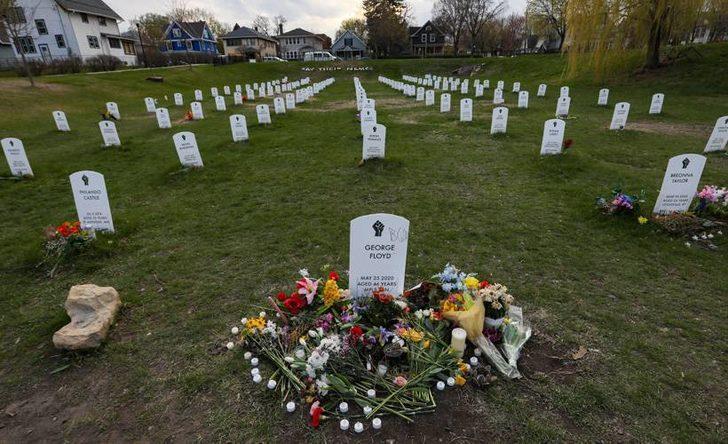 ABD'de polis tarafından öldürülenler için anıt mezar kuruldu