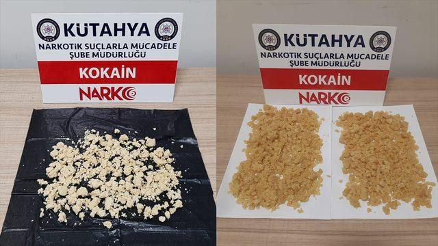 Kütahya'da ayakkabı kutusu ve çantada uyuşturucuyla yakalanan 2 şüpheli gözaltına alındı