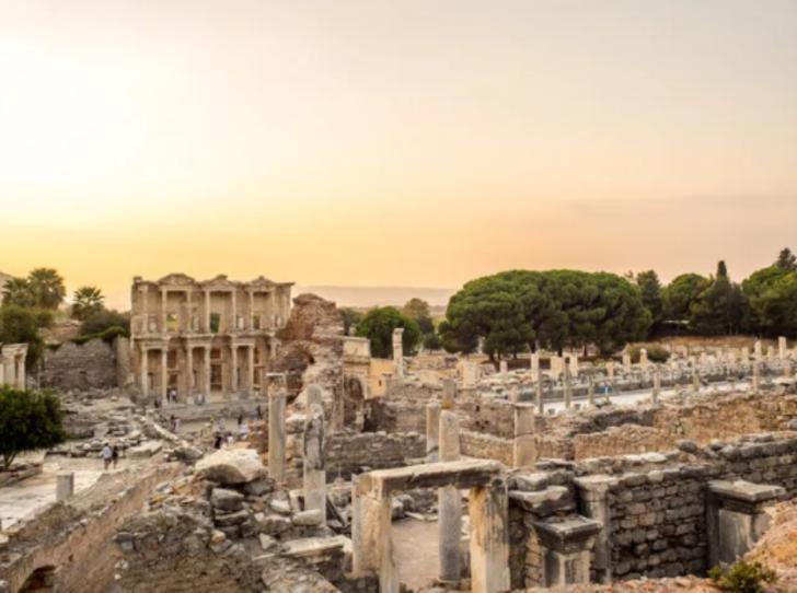 Tarihin yansıması kültürel servetler! Ege'nin benzersiz antik kentleri: Efes, Laodikya, Afrodisyas