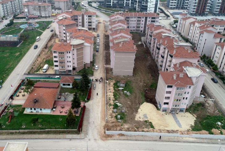 İnşaatına 27 yıl önce başlanan site tamamlanamadı! Evini göremeden ölen bile var
