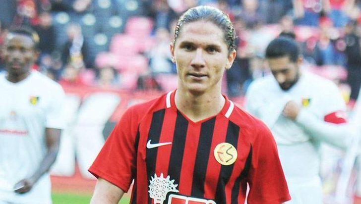 Mehmet Özcan Eskişehirspor ile sözleşmesini fesh etti