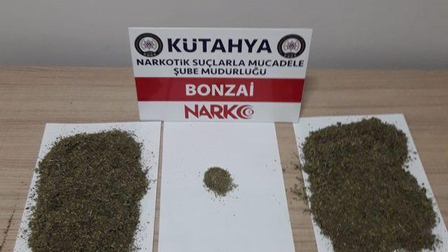 Kütahya'da valizinde sentetik uyuşturucu ele geçirilen zanlı yakalandı