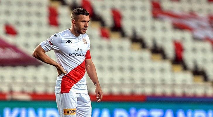Lukas Podolski'den Süper Lig'de ilk