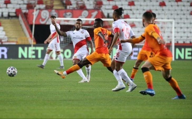 """Etebo: """"Trabzonspor'a karşı da böyle oynasak kazanırdık"""""""