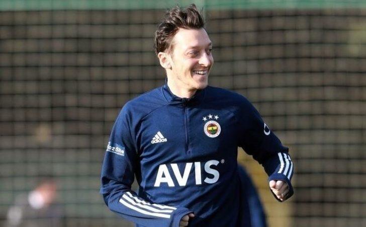 Fenerbahçe'de Mesut Özil, yine kadroda yok
