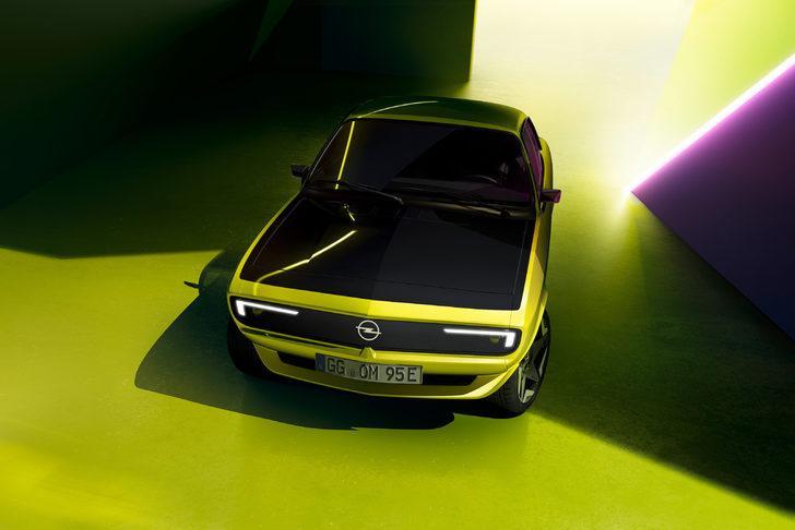 Opel Manta GSe ElektroMOD Mayıs ayında ortaya çıkacak!